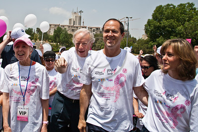 US Senator Joe Lieberman, wife and Komen consultant, Hadassah Lieberman, Jerusalem Mayor Nir Barkat and wife Beverly stand at starting line and count down to begin 2nd annual Komen Israel Race for the Cure. Jerusalem, Israel. 3-May-2012.